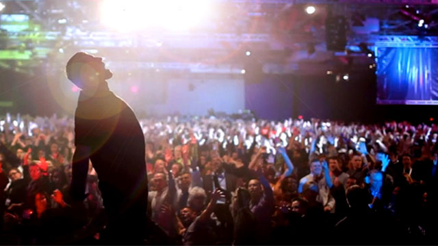 UPW-live-Tony-Robbins